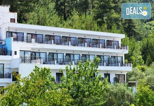 Aloe Hotel 2* - снимка - 1