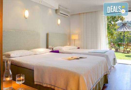 Kamari Beach Hotel 3* - снимка - 6