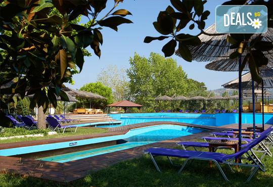 Kamari Beach Hotel 3* - снимка - 17
