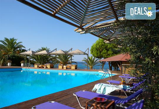 Kamari Beach Hotel 3* - снимка - 21