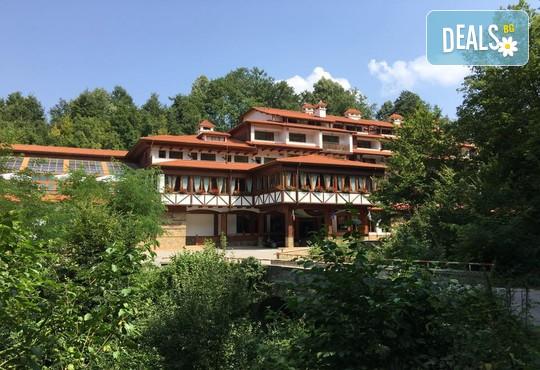 Хотел Боженци - снимка - 2