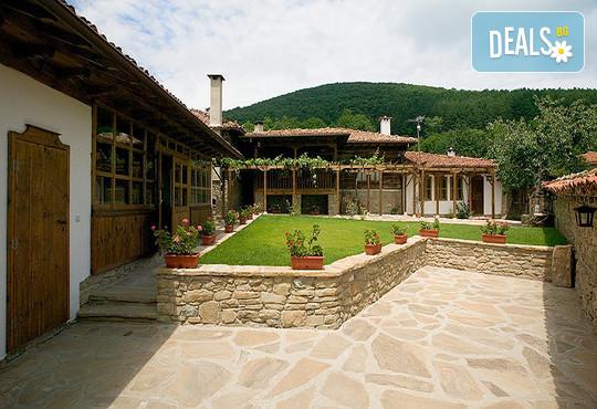 Къща за гости Къщата с лозницата - снимка - 1
