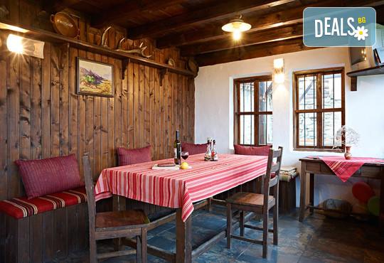 Къща за гости Къщата с лозницата - снимка - 8