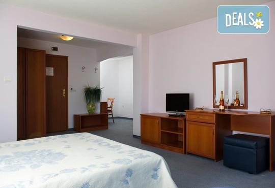 Хотел Кристал 3* - снимка - 5