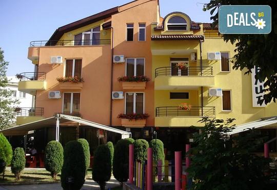 Хотел Елит 3* - снимка - 2