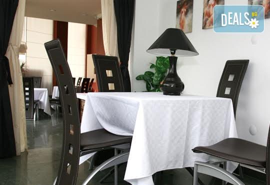 Хотел Сантана 3* - снимка - 13