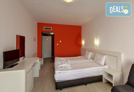 Хотел Елеганс СПА 3* - снимка - 8