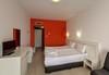 Пълноценна почивка в хотел Елеганс Спа 3*, Огняново! 2, 3 или 4 нощувки със закуски и вечери, ползване на външен и вътрешен басейн с минерална вода, джакузи, сауна, парна баня, безплатно за дете до 3.99г.! - thumb 8