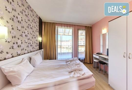 Хотел Елеганс СПА 3* - снимка - 14