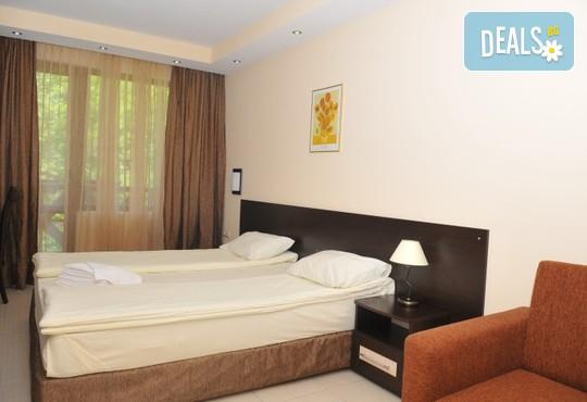 Хотел Делта 3* - снимка - 2