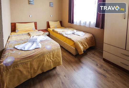 Семеен хотел Шарков 3* - снимка - 3