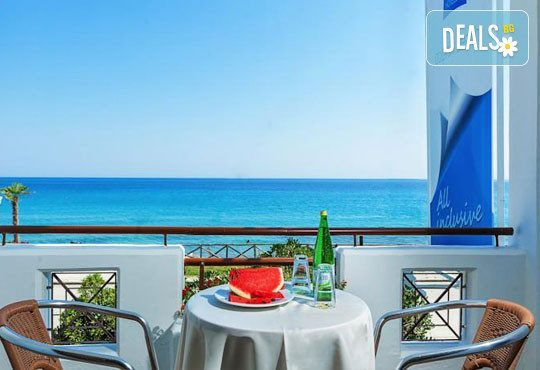 Dolphin Beach Hotel 3* - снимка - 12