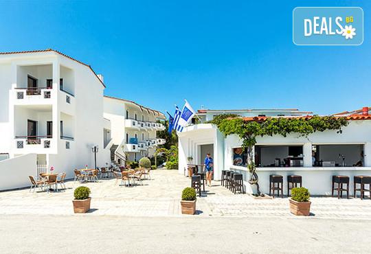 Dolphin Beach Hotel 3* - снимка - 5