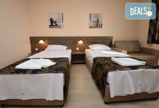 Хотел Камилите 2* - снимка - 5
