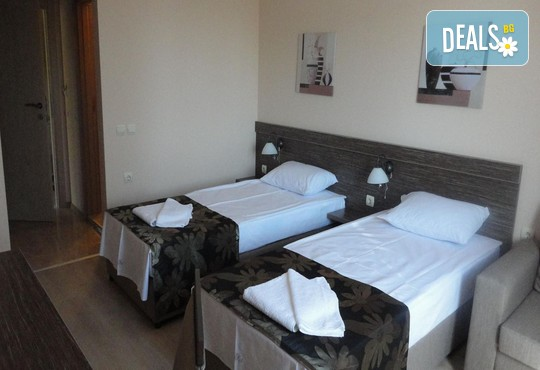 Хотел Камилите 2* - снимка - 6