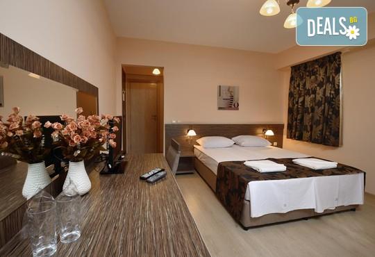 Хотел Камилите 2* - снимка - 3