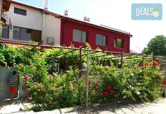Къща за гости Кладенеца 2* - снимка - 1