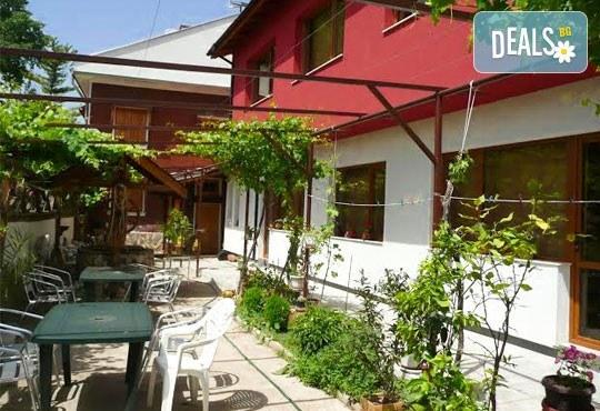 Къща за гости Кладенеца 2* - снимка - 2