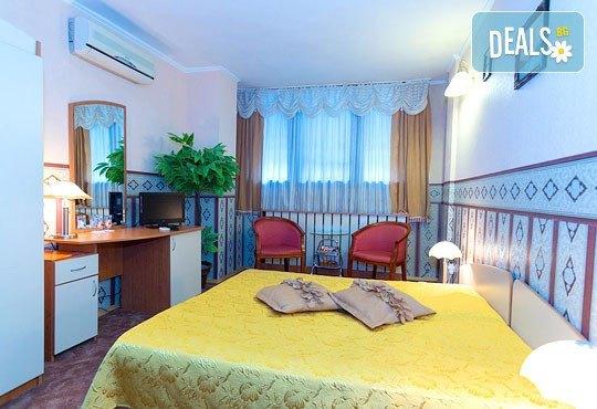 Хотел Йор-Даниел 3* - снимка - 2