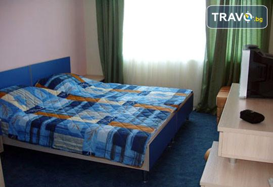Хотел Кайлас 2* - снимка - 2