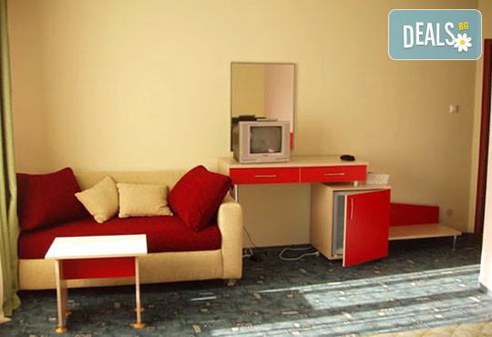 Хотел Кайлас 2* - снимка - 3