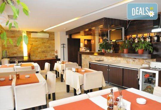 Семеен хотел Елица 3* - снимка - 4