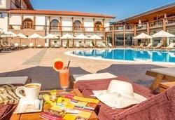 До май в СПА хотел Каменград 4*, Панагюрище: 1 нощувка със закуска и СПА