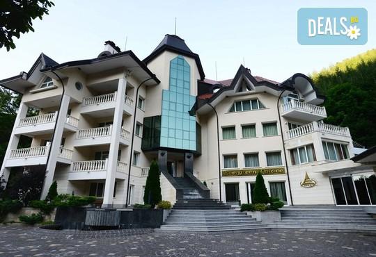 Хотел Евъргрийн Палас 3* - снимка - 4