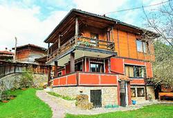 Почивка в Къща за гости Планински рай,  Копривщица на дата по избор от април до септеври! 1 нощувка в двойна, тройна стая или студио - Снимка