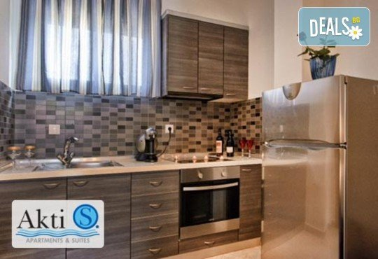 Akti-s Apartments And Suites - снимка - 7