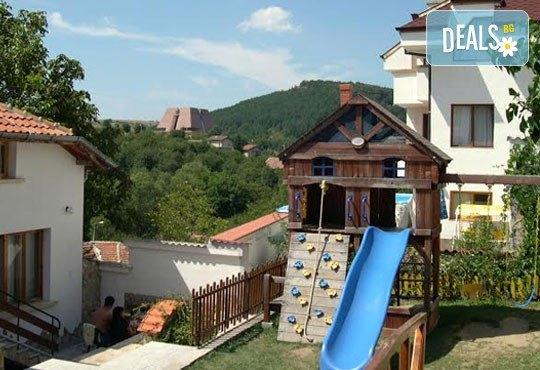 Семеен хотел Алексиевата къща 3* - снимка - 10