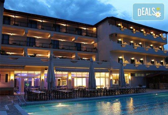 San Panteleimon Beach Hotel 3* - снимка - 2