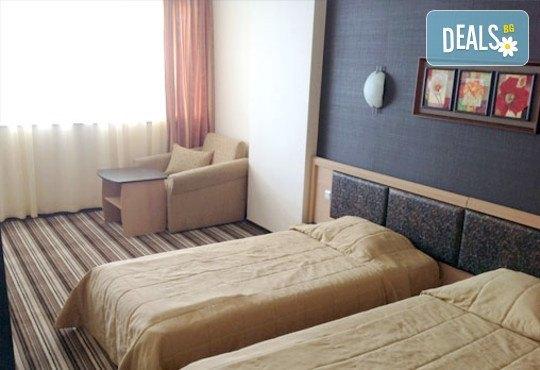 Хотел Капри 3* - снимка - 7
