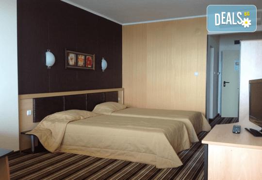 Хотел Капри 3* - снимка - 6