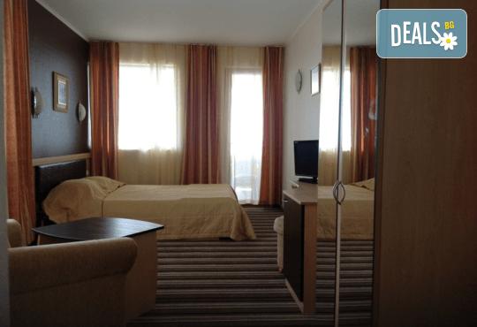 Хотел Капри 3* - снимка - 9