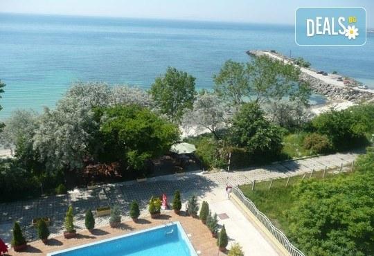 Хотел Капри 3* - снимка - 5