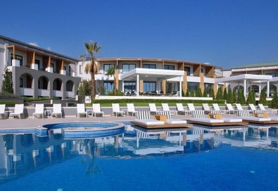 Великден в Cavo Olympo Luxury Resort & Spa 5*, Олимпийска ривиера! 3 нощувки на база HB с включен Великденски обяд - Снимка
