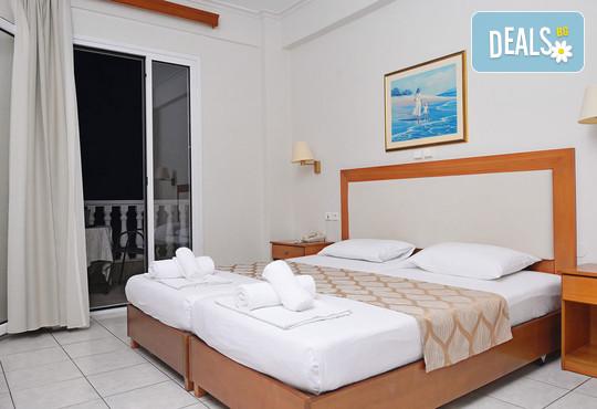 Ioni Hotel 3* - снимка - 11
