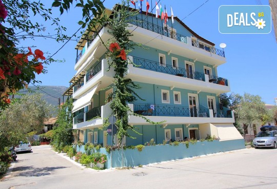 Vassiliki Bay Hotel 2* - снимка - 1
