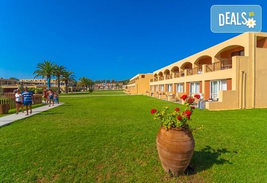Messonghi Beach Hotel 3* - снимка - 4