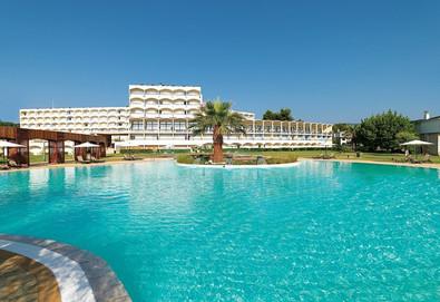 Нощувка на човек на база Закуска и вечеря, Закуска, обяд и вечеря в Corfu Chandris Hotel, о. Корфу - Снимка