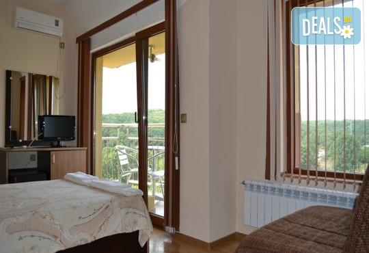 Семеен хотел Свети Георги 2* - снимка - 7