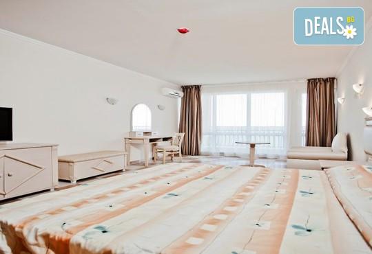 Хотел Роял Бей 4* - снимка - 25