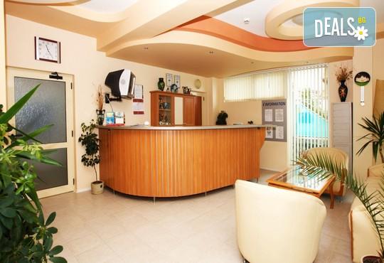 Семеен хотел София 2* - снимка - 10