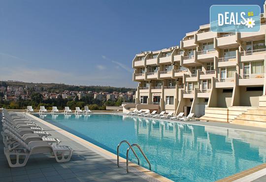 Хотел Панорама 3* - снимка - 1