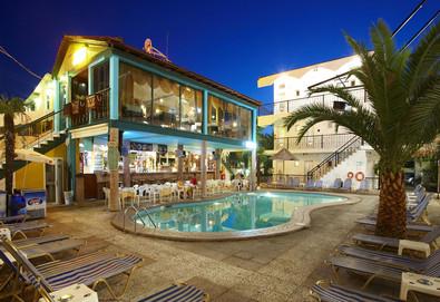 Нощувка на база Закуска и вечеря,All inclusive в Hanioti Grand Victoria 3*, Ханиоти, Халкидики - Снимка