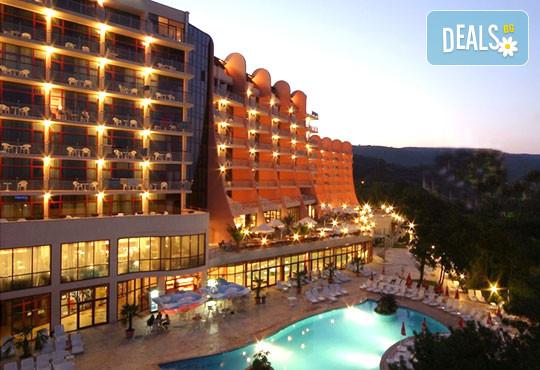 Хотел Хелиос СПА и Ризорт 4* - снимка - 1
