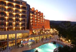 Септември в Хелиос СПА Хотел 4*,Златни пясъци: 1 нощувкa със закуски и All inclusive