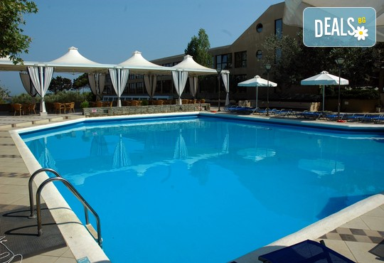 Alexander Beach Hotel & Spa 4* - снимка - 31