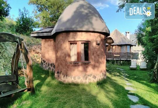 Еко къщи към Валентина Касъл Хотел - снимка - 5